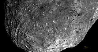 Vesta ripresa dalla sonda Dawn il 23 luglio 2011 da una distanza di 5200 chilometri dalla superficie. Credit: NASA/JPL/ap