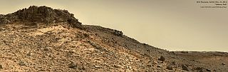 """soprannominata """"Salsberry Peak."""" Sono evidenti i segni della presenza dell'acqua nel passato di Marte.  Credit: NASA/JPL/Caltech/MSSS. Composizione di Jason Major."""